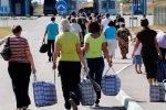 Страшне життя українських заробітчан: низька зарплата, погане ставлення та відсутність вихідних