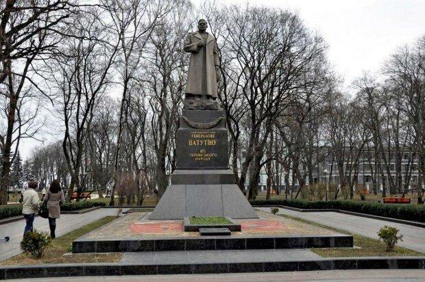 В Киеве оставят памятник соратника кровавого Жукова, погубил тысячи украинцев: подробности скандала
