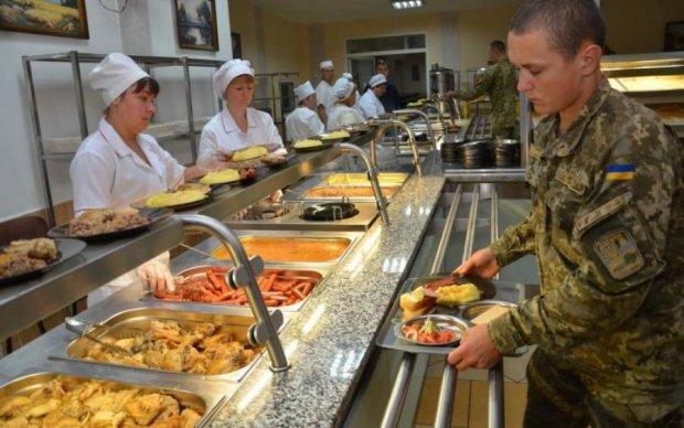 Посадили на дієту: чим годують українських героїв на передовій
