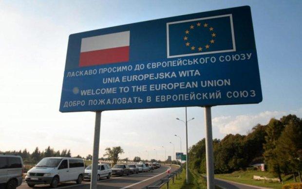 Бояться чуми: Польща відгородиться від українців міцною стіною