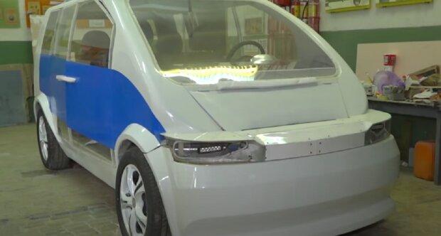 В Україні створили електромобіль, кадр з репортажу Донбас Онлайн: YouTube