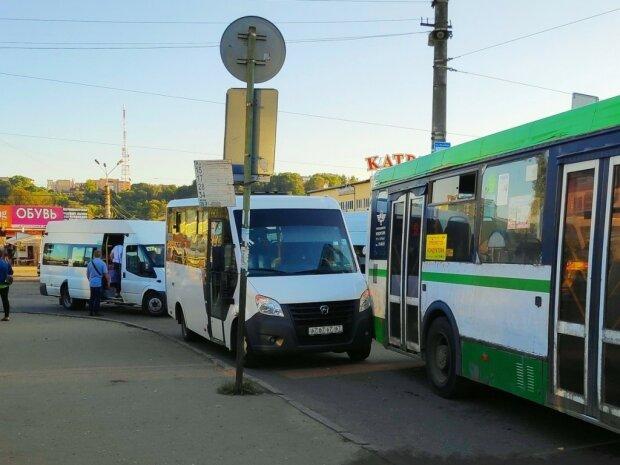 Из Днепра исчезнут две остановки: где теперь ждать транспорт