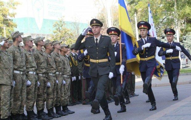Призыв в армию с 18 лет: в Минобороны срочно обратились к украинцам