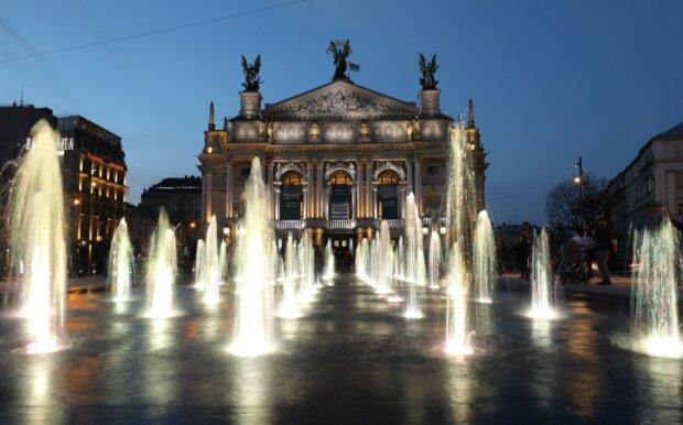 Оперний театр: фото inlviv