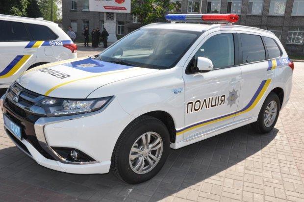 """Під Дніпром схопили двох любителів """"курнути"""": не соромилися навіть у під'їзді"""