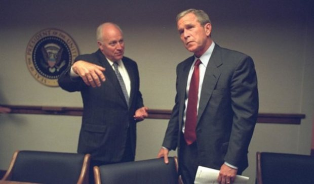 В США показали реакцию Буша на теракт 11 сентября (фото)