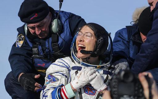 Астронавтка NASA вернулась из космоса на Землю рекордсменкой