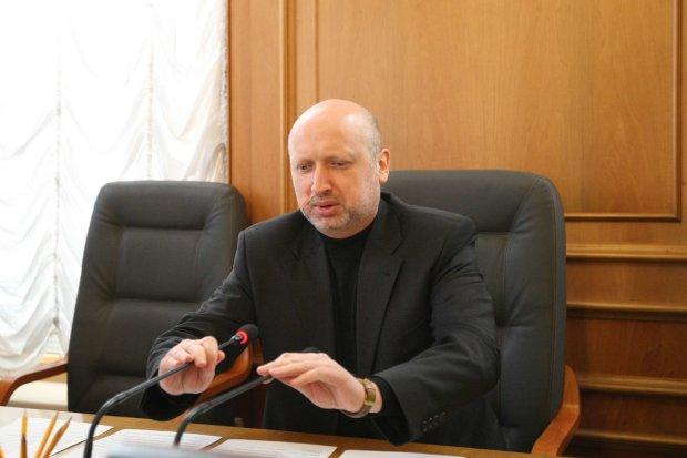 Турчинов подаст в отставку: СМИ назвали точную дату