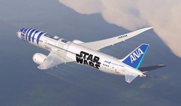 """Японська авіакомпанія розфарбувала літак в стилі """"Зоряних воєн"""""""