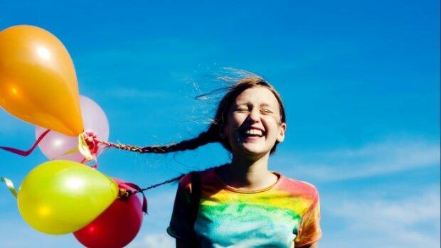 Вчені проаналізували рівень щастя людей за останні 200 років: результати дивують
