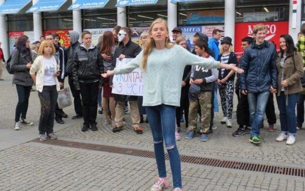 Поверніть татові 1С: дніпровська молодь заступилася за російські сайти