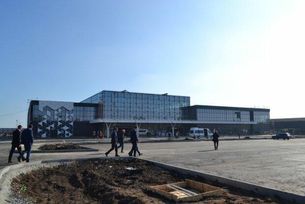 Куда полетим: в Запорожье открыли аэропорт после реконструкции
