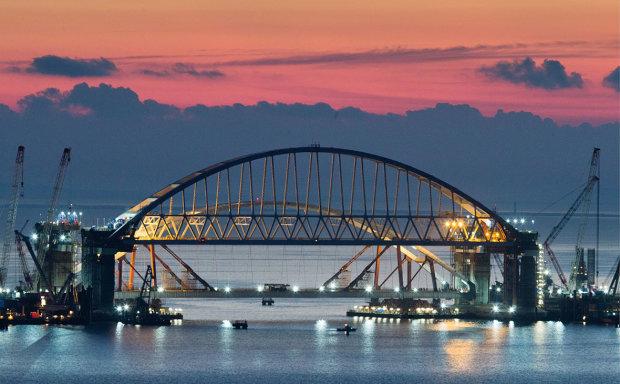Крымский мост уйдет под воду: неизбежную катастрофу показали глазами свидетеля