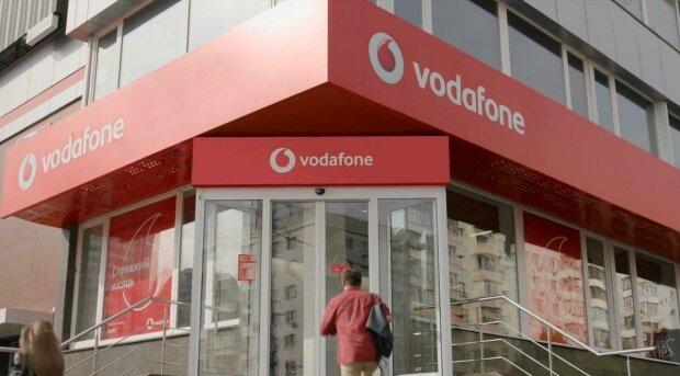 Дніпряни ризикують розориться на мобільному зв'язку - Vodafone підіймає і без того космічні тарифи