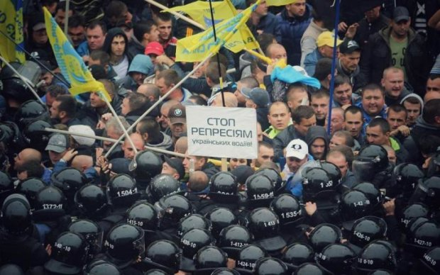 Ввезення авто з Європи: депутати остаточно заплутали українців