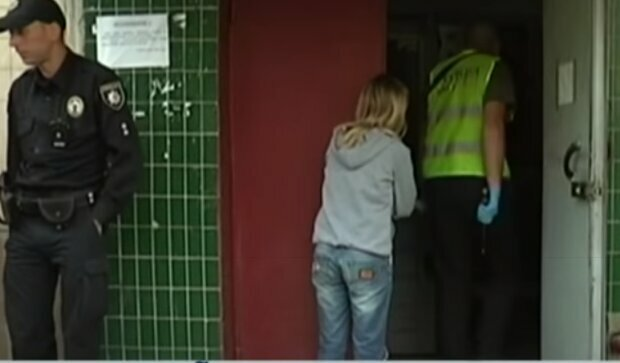 Во Львове труп женщины месяц лежал в запертой квартире, пока соседи не решились взломать дверь