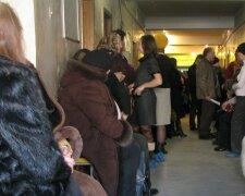 Обвал стелі у Кривому Розі, фото: Українські Новини
