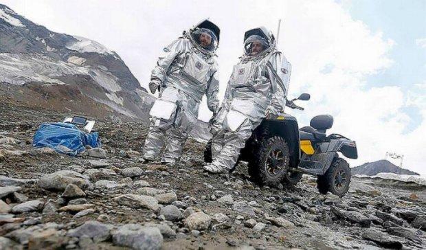Австрійські вчені в Альпах готуються до польоту на Марс (фото)