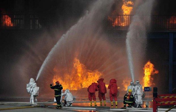 У Німеччині вибухнув нафтопереробний завод, багато постраждалих