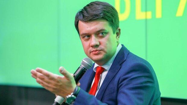 """Разумков зі """"Слуги народу"""" назвав три головні реформи команди Зеленського: Супрун вже варто нервувати"""