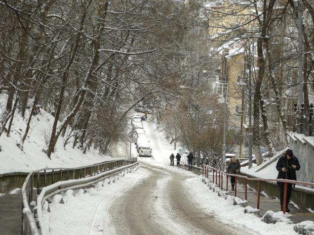 Погода на 13 лютого: зима бере реванш