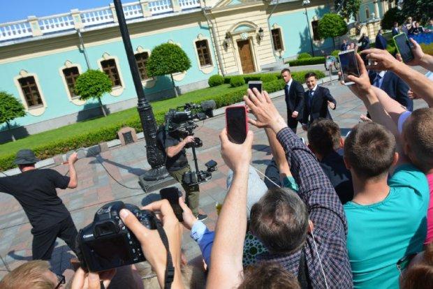 Як тільки почув про розпуск Ради: депутат з блоку Порошенка знепритомнів просто під час інавгурації Зеленського