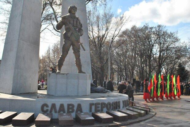 Віддали життя за Україну: у рідному місті Зеленського встановлять пам'ятник загиблим на Донбасі героям