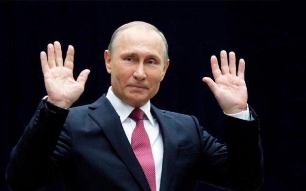 Раскол? Путина настраивают против его правой руки
