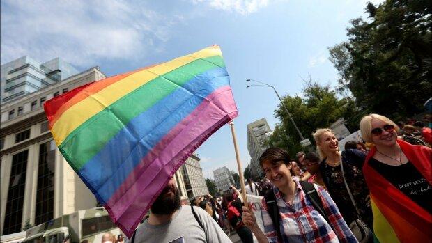 """У Києві серед білого дня напали на лідерку ЛГБТ-організації: кричали """"лєсбуха"""""""