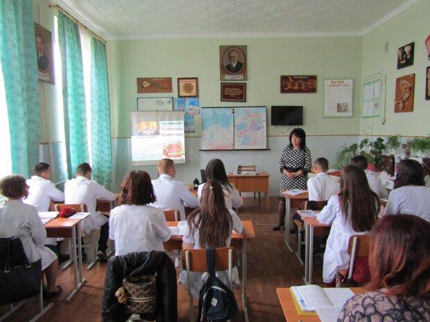 Російськомовні школи масово переведуть на українську: Новосад назвала точну дату
