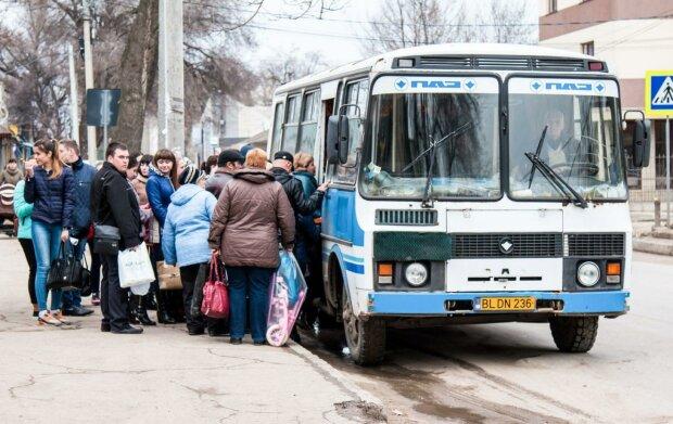 """В Одессе накрыли маршрутчика-камикадзе с """"липовыми"""" правами: каждая поездка могла стать последней"""