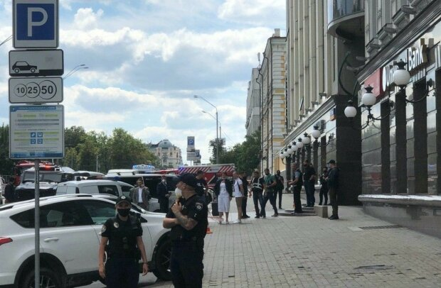 Киевский террорист оказался гражданином Узбекистана, требует прямой эфир - по стопам луцкого психа