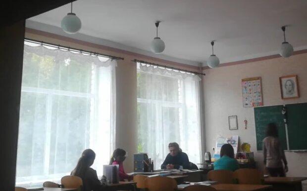 Малобілозерська ЗОШ №2, кадр з відео