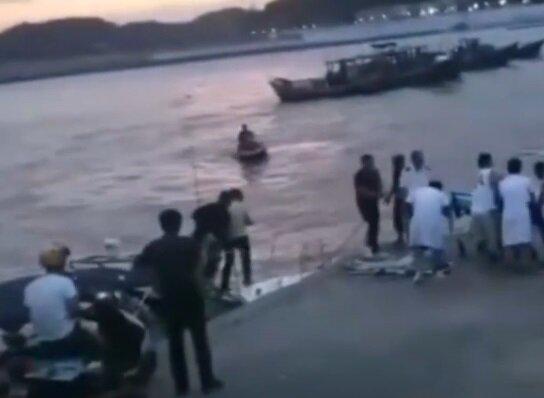 Свадебная фотосессия обернулась гибелью: спасатели выловили из воды тело невесты