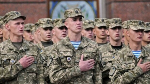 В Україні оголосили осінній призив на строкову військову службу: чим загрожує ухилення