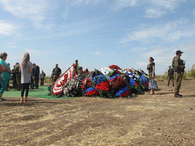 Маразм крепчал: у Захарченко появился мавзолей