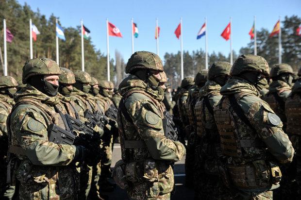 На все украинские улицы выходят военные патрули: что происходит