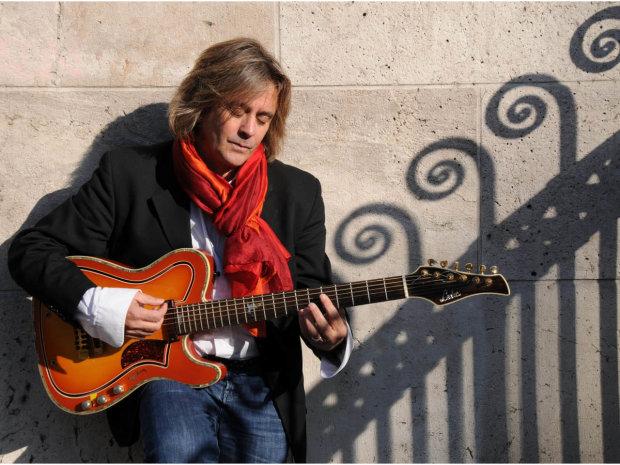 Внезапно скончался культовый музыкант: один из титанов мирового шансона