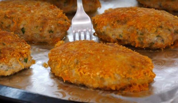 Соковиті і ароматні котлетки з рисом: готуємо обід для всієї родини