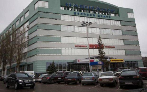Люди Янчука из АРМА незаконно выселяют арендаторов элитного жилья с помощью частных армий, - СМИ
