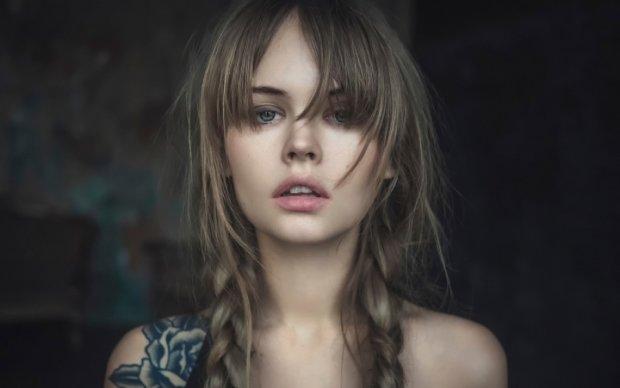 Настя Щеглова спокусила чорно-білим знімком