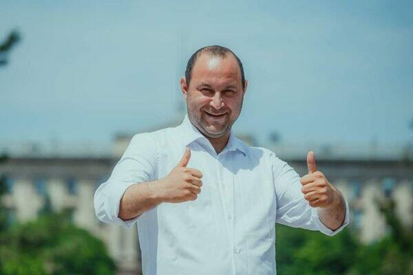 """""""Слуга народа"""" Негулевский: как из дорожных ям достать миллионы"""