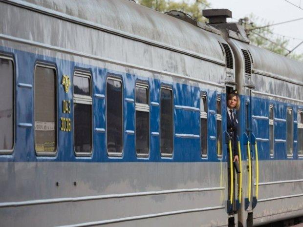 """О возрасте загнивающих поездов """"Укрзализныци"""" можна складывать анекдоты: названы цифры"""