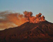 Извержение вулкана Этна // фото из Twitter