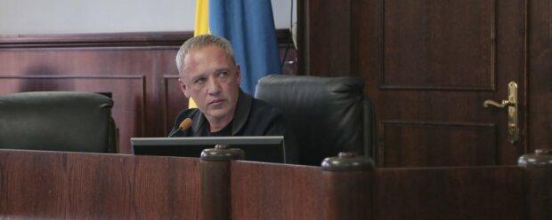 """Мэр Черновцов Кличук простил журналистов за """"клевету"""" в суде: """"Мы все были напряжены"""""""