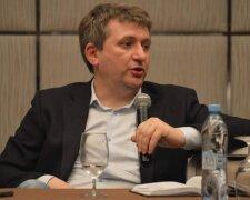 Юрій Романенко, Хвиля