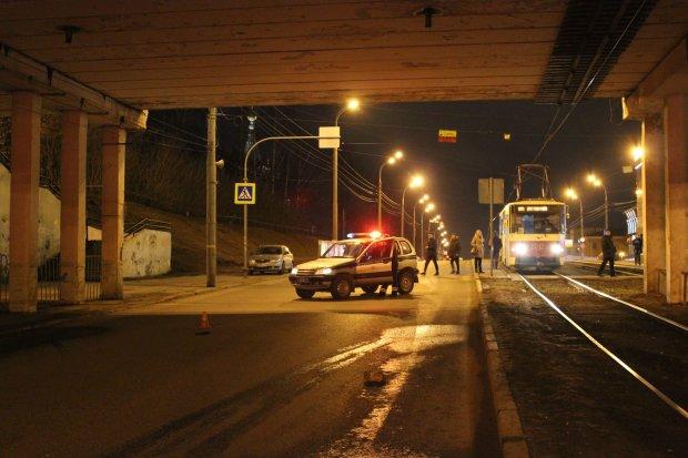 Пьяный водитель решил судьбу двух подростков: девочка скончалась на месте, парень в реанимации