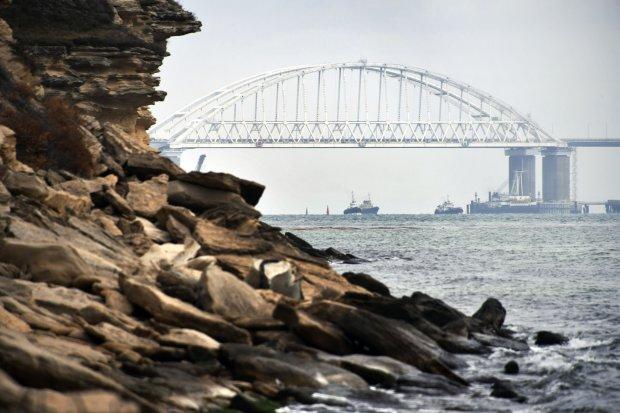 Крымский мост постиг невиданный коллапс: сотни людей оказались в заложниках ситуации