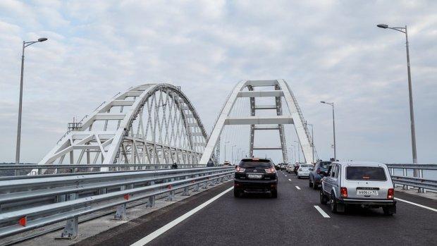 Улюблений горлопан Путіна зняв кліп про катастрофічний міст, який ледь не впав: відео