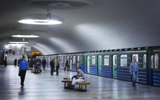 В харьковском метро умер человек